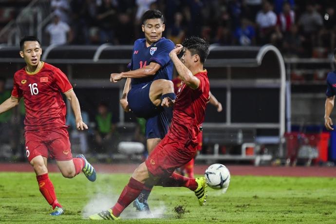 [베트남-태국] 박항서호, 적진에서 나름 잘 싸웠다… 0-0 무승부로 소중한 승점1점 획득
