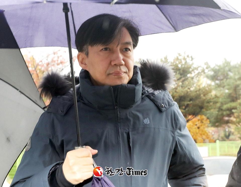 (속보) 檢, '유재수 의혹' 조국 구속영장 청구