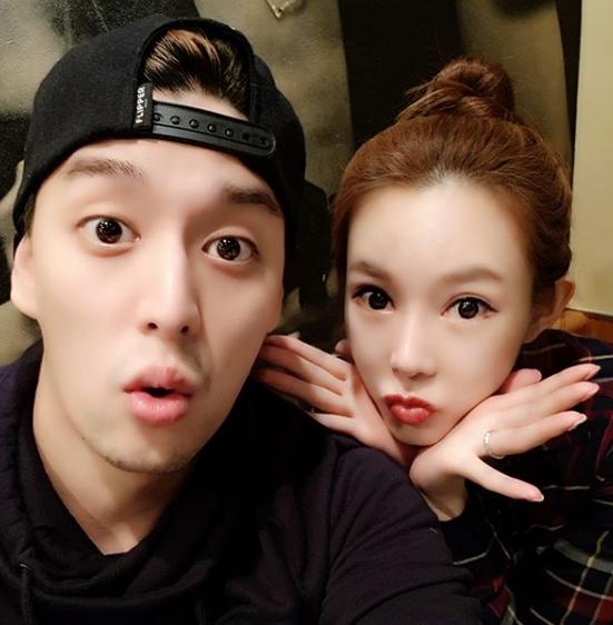 [#별별샷]지연수♥일라이 부부…'귀염뽀짝' 일상사진 화제