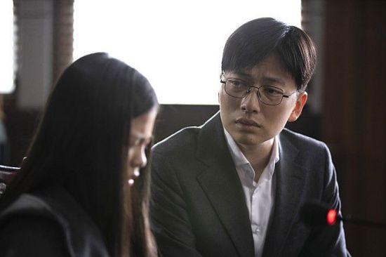[영화콕!]'어린 의뢰인' 숨겨진 진실을 밝히려는 이동휘, 충격적 실화 모티브