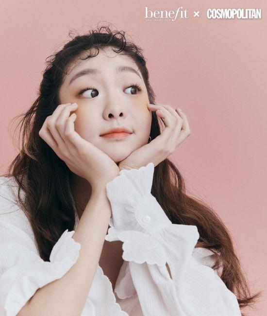 김다미, 상큼한 복숭아 블러셔(화보)
