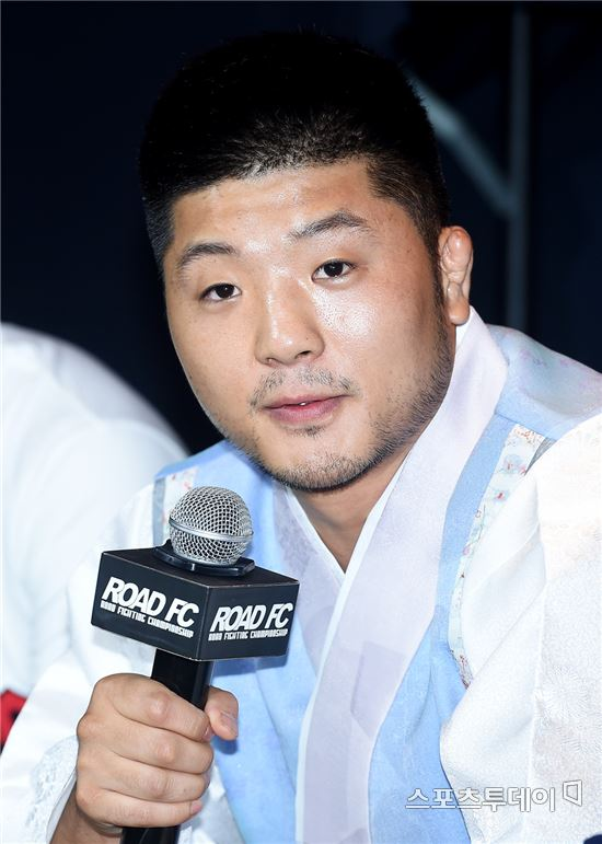 [ST포토]권아솔 'UFC 라이트급 1위' 하빕 도발
