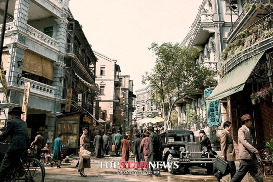 '암살', 압도적인 예매율 1위로 한국영화 '저력 과시'… '블록버스터급 스케일'