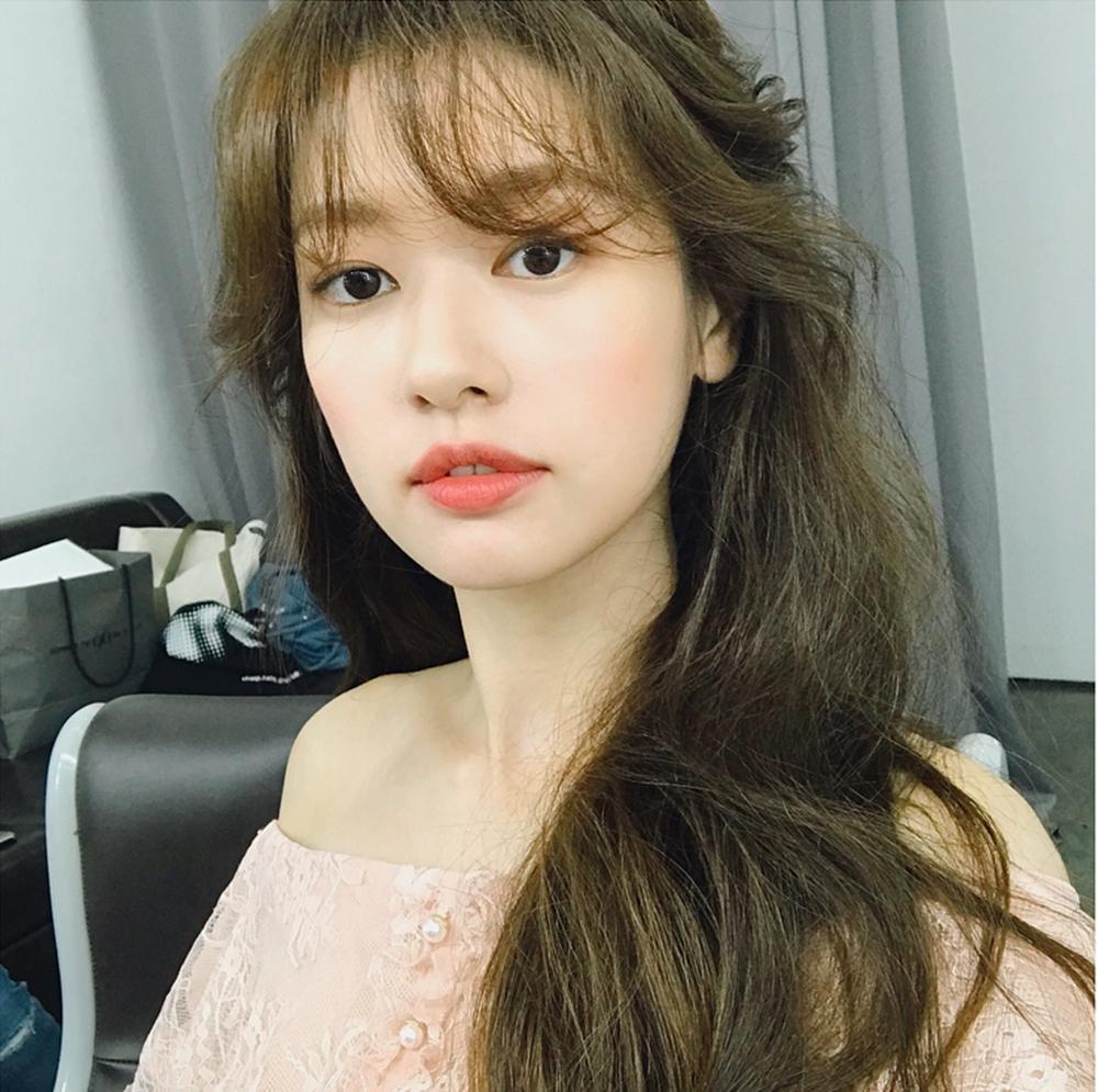 '가요광장' 정소민, 긴 머리도 잘 어울려…하반기 드라마로 '컴백'