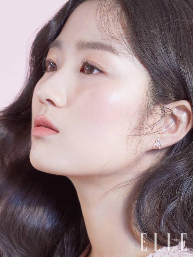 'SKY캐슬' 예서→이니스프리 모델로 변신한 김혜윤, '벚꽃 요정' 봄 화보 공개