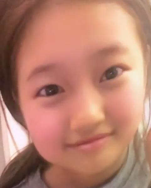 '배가본드' 수지, '애기얼굴 어플'로 인싸 도전…''아가어플 웃겨''