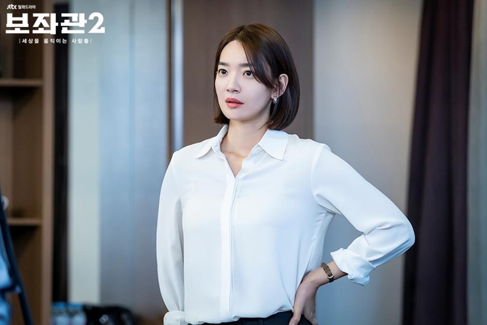 '김우빈 ♥' 신민아, '보좌관 시즌2' 촬영장 속 돋보이는 성숙美…'리부트까지' 관심 UP