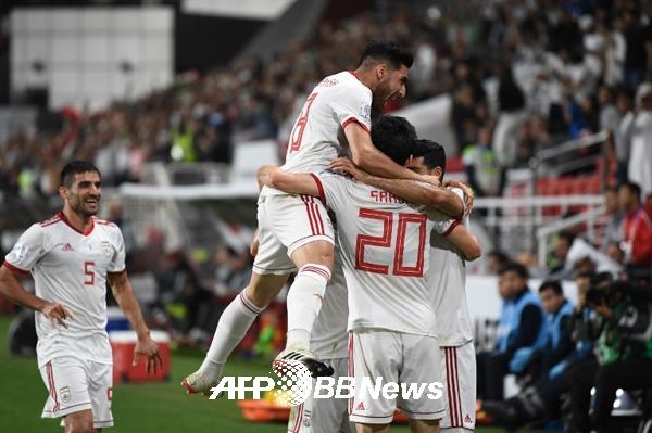 '역시 우승후보' 이란, 중국 3-0 완파…아시안컵 4강 진출