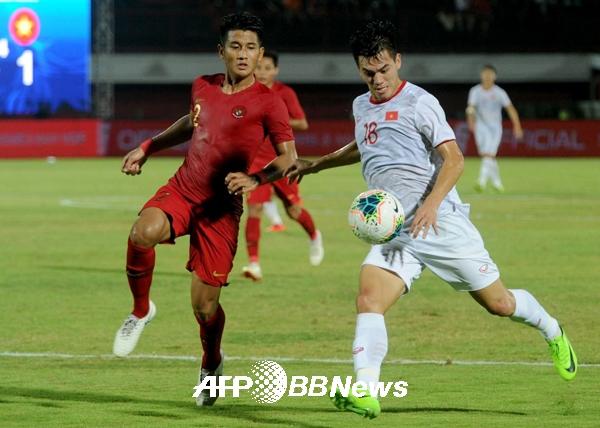 박항서의 베트남, 인도네시아 원정서 3-1 완승 [월드컵 축구예선]