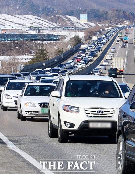실시간교통정보, 지루한 차 안 스트레칭 방법은?