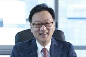 이우석, 코오롱생명과학 신약 '인보사' 수출 앞장