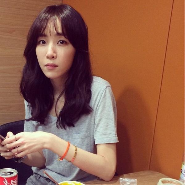 김이나, 자연스러운 풀 메이크업… '청순미' 넘치는 작사가