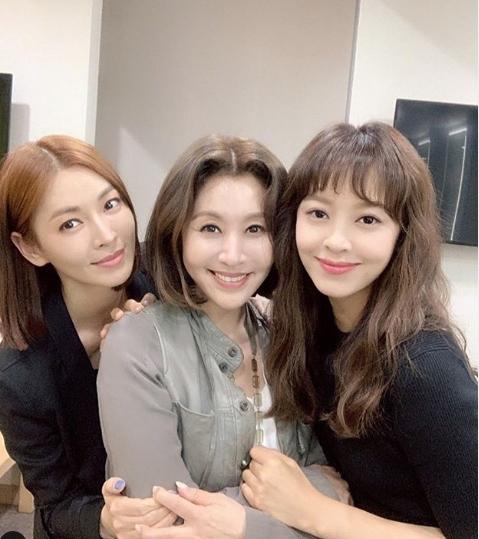 최명길 나이 실화? 김소연X강성연 사이에서 여신미모 포착!