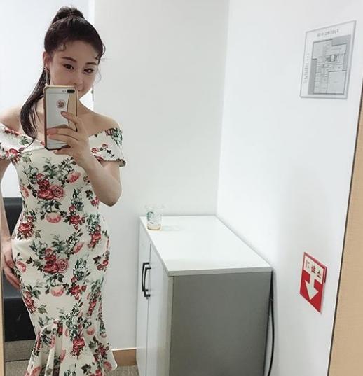 함소원 진화나이차이 실화? 함소원, 20대 기죽이는 美친 S라인 '화제'