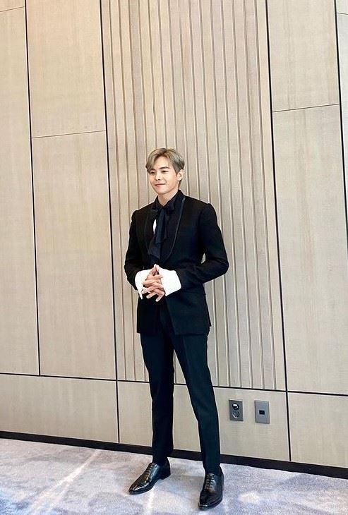 펜트하우스 체육선생님, 배우 박은석 염색 머리 주목