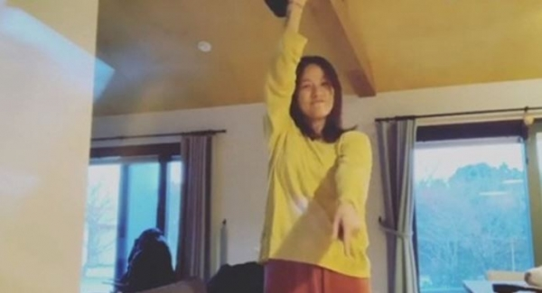 이효리,인스타그램에 지코 '아무노래' 맞춰 댄스 챌린지