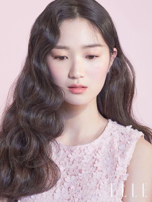 이니스프리, 배우 김혜윤 '왕벚꽃' 화보 공개