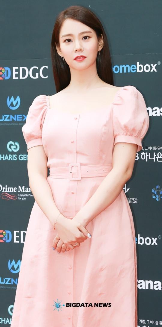 한승연, 오늘은 핑크핑크한 여신