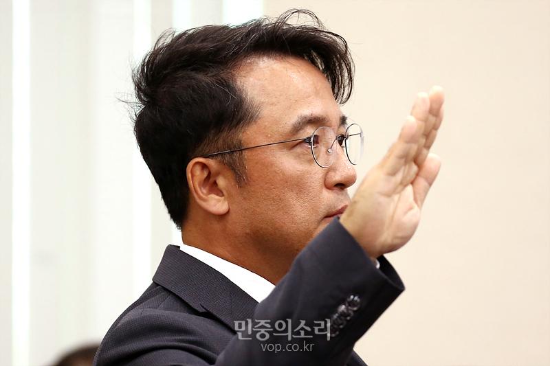 증인 선서하는 김택진 엔씨소프트 대표[포토]