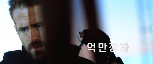 넷플릭스, 영화 '6 언더그라운드' 최종 예고편 공개