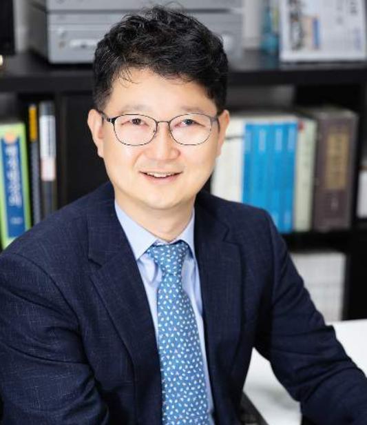 남윤국 변호사, 그는 누구? 촛불판사 → 고유정 변호사