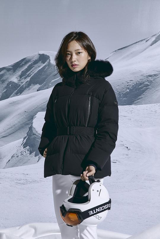 최유화, 모델 뺨치는 겨울 패딩 소화력[화보]