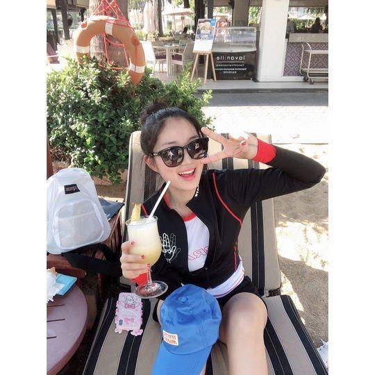 예서도 푸껫 즐기는 중, 김혜윤 반전의 래시가드 자태[SNS★컷]
