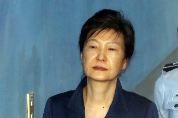 [속보] 1심 징역 24년 박근혜, 항소 포기서 제출