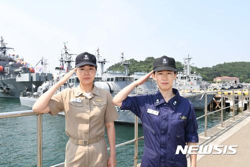 첫 여군 함장 탄생···해군 창설 이후 72년만