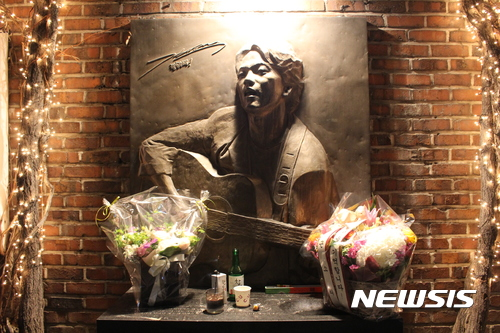 경찰, 故김광석 친형 오늘 소환···서연양 사건 수사 속도