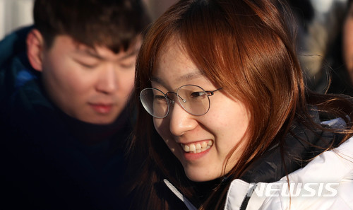 쇼트트랙 최민정 ¨경쟁자 저요¨···500m 최초 金 정조준
