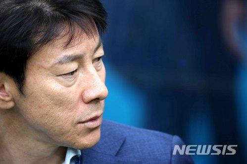 """신태용 감독 """"대표팀 맡은지 10개월, 부상선수들도 있고···"""" 일문일답"""