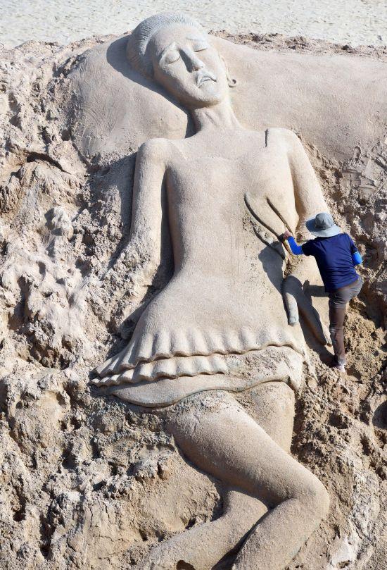 모래 작품으로 재탄생한 '피겨퀸'