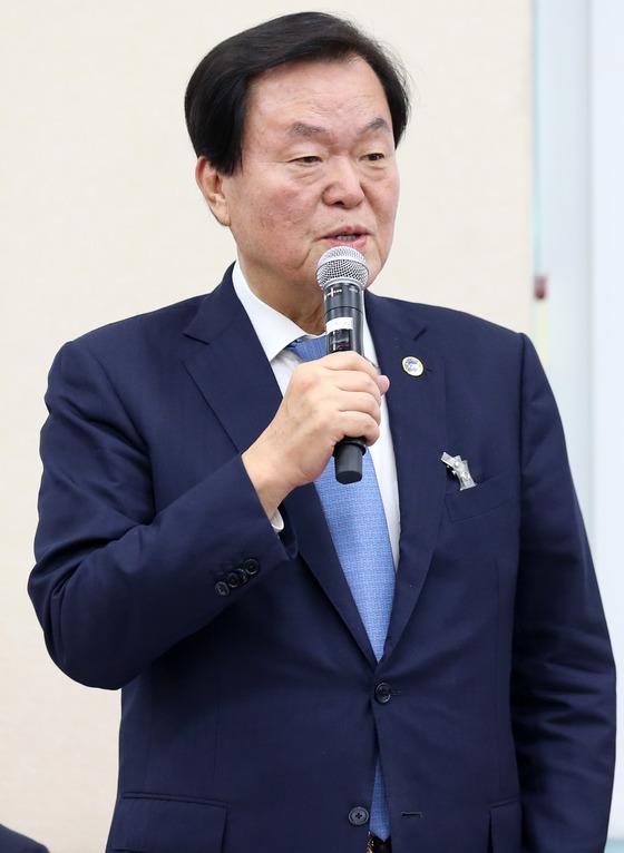"""""""盧, 삼성서 8천억"""" 김경재 자유총연맹 총재 '명예훼손' 기소"""