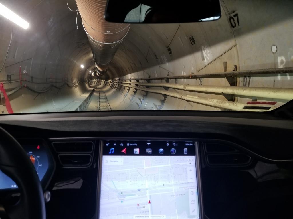'땅 파서 교통체증 해결하겠다'는 머스크, 1200억원 자금 조달