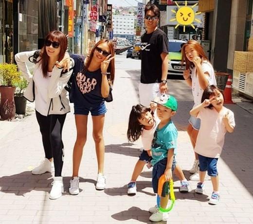 """""""항상 행복하자""""…이동국♥이수진, 5남매와 화목한 가족사진"""