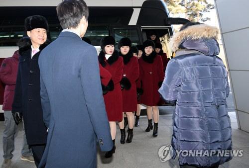 `북송요구` 김련희 北예술단에 ¨평양시민 김련희다¨ 외쳐