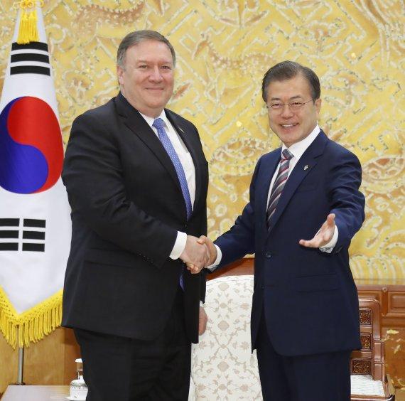 """폼페이오 """"2년 반 내에 北 비핵화 달성할 것"""""""