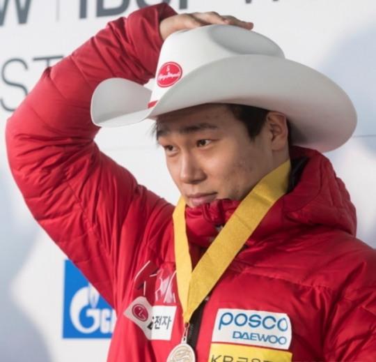 평창 金이 보인다…윤성빈, 스켈레톤 월드컵서 우승