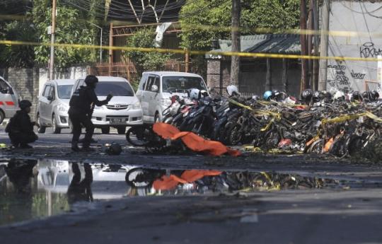 인도네시아 연쇄 폭탄테러 발생… 9명 사망
