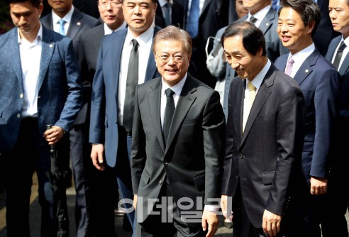 文정부, 1기 靑·내각 누구…임종석 실장, 이낙연 총리 내정