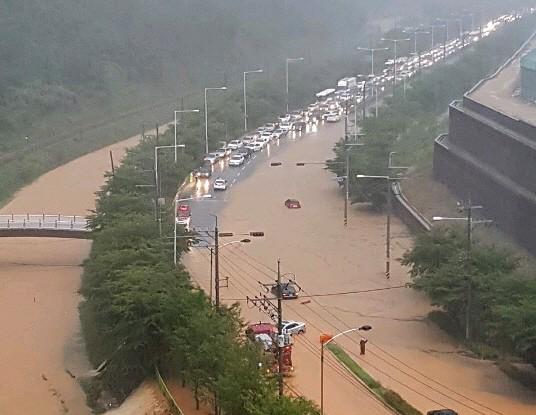 부산교육청, 곳곳 침수 피해에 유·초·중학교 재량 임시휴교