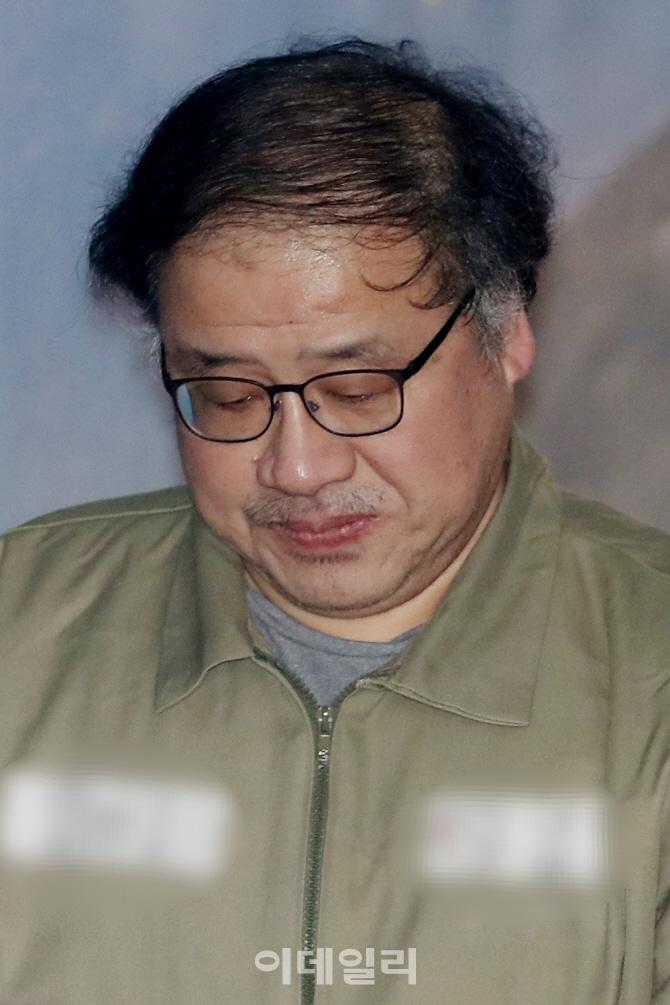 [포토]고개 숙인 안종범