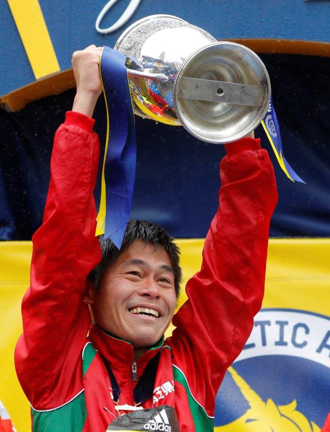 일본 `공무원 마라토너` 가와구치 보스턴 마라톤 우승
