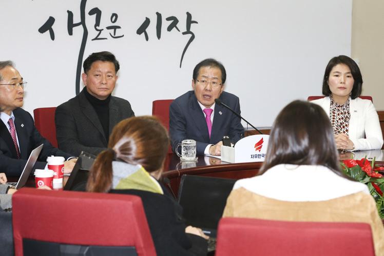 """홍준표 """"경남지사 선거 '홍준표 재신임' 구도로 간다"""""""