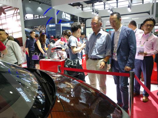 정의선 현대차 부회장, 中 미래차 기술에 각별한 관심...상하이 `CES아시아 2018` 방문