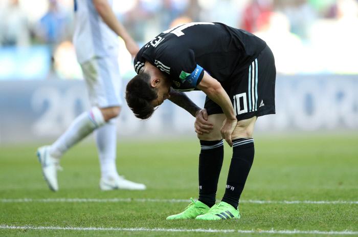 PK 실축한 메시…아르헨, 아이슬란드와 1-1