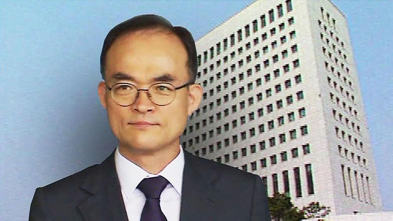 """'수사지휘권 행사 논란'에 문무일 """"적법한 직무 행위"""""""