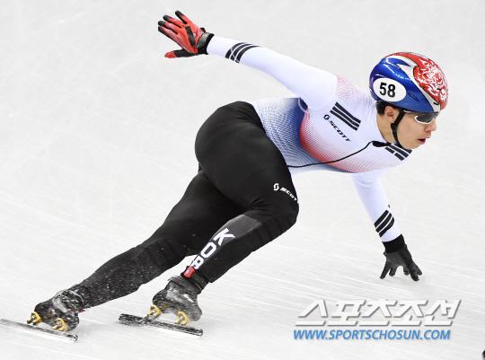 [평창 쇼트트랙]`고교생` 황대헌, 男1000m 조 1위로 준준결선행