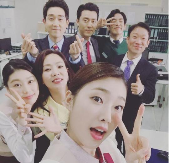 '우만기' 박근록X윤지혜X정석용 등 배우들 다정다감 셀카 공개